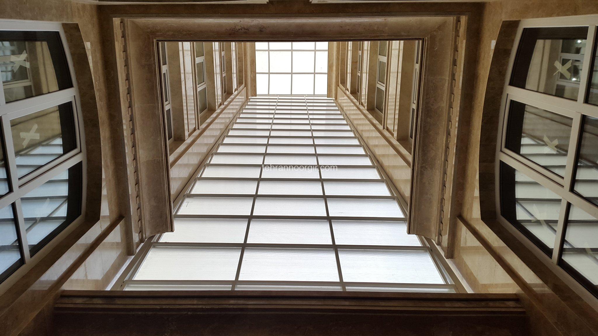 نورگیر سقفی و پوشش دیواره با ورق پلی کربنات 2 جداره